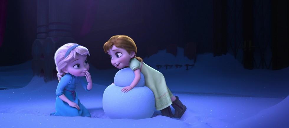 《冰雪奇緣》導演爆料「泰山」其實就是艾莎和安娜的弟弟!電影中的關聯你抓到了嗎?