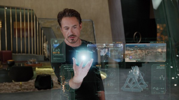 只要有一支手機,你也能做出高科技3D立體投影效果,讓人一看就上癮!