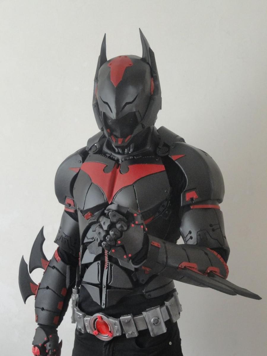 他花了1年半打造成有史以來最帥氣的蝙蝠俠盔甲,當看到正面時...*流口水*