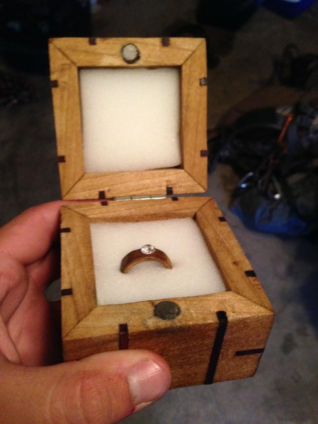 這個神級的求婚從這片木板開始,到最後任何女生都會哭喊著「我願意」!
