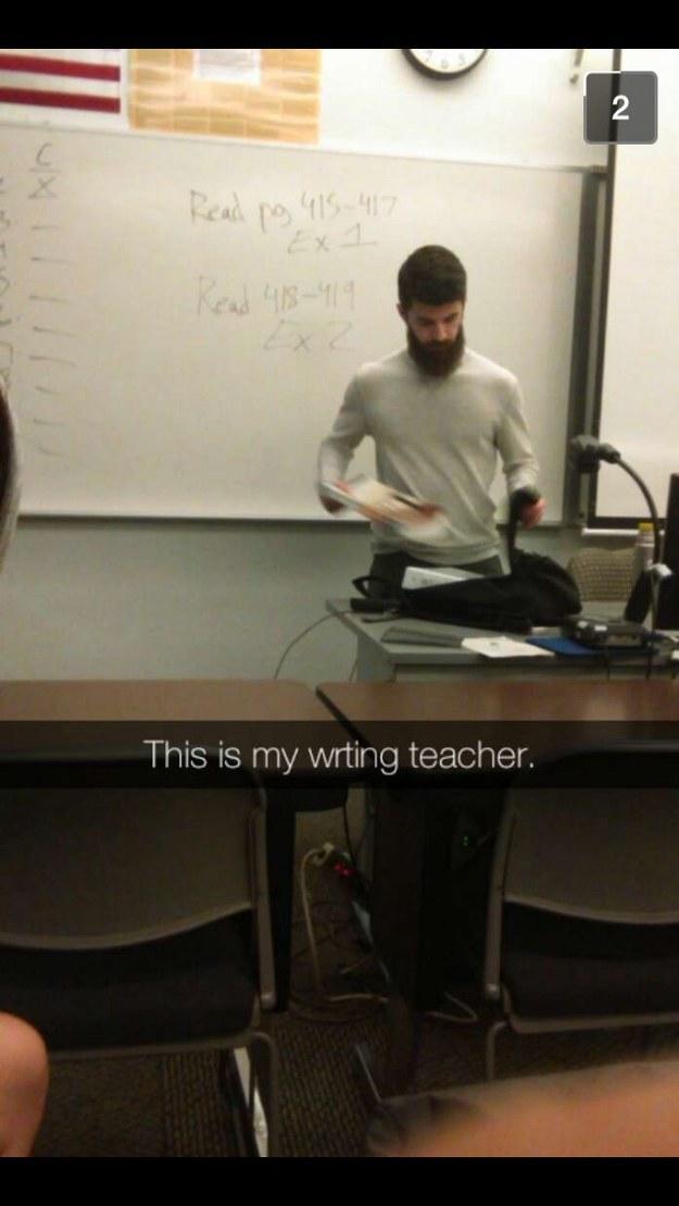 22個害女學生全都考零分的過度性感男教師。
