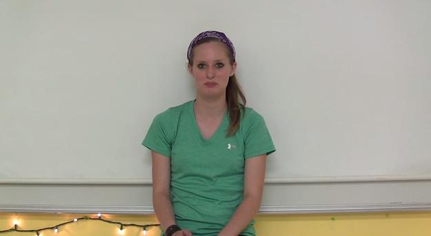 學校覺得這個女孩的穿著太暴露把她送回家,但你看出問題點在哪了嗎?