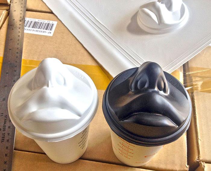 絕對不要讓你的另一半看到你在用這個「讓你感到戀愛指數滿分」的咖啡杯蓋!
