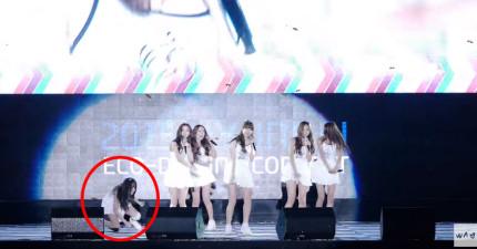 因為舞台太滑,這個韓國女子團體的辣妹在表演時連摔9次,讓觀眾邊數次數邊心痛!