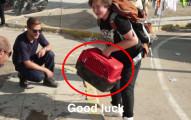 這位17歲敘利亞少年逃難步行500公里,但不怕累堅持帶著的小盒子裡的東西讓全世界都動容了!