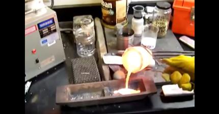 這些高中學生把溶掉的鋁倒到鐵盤裡,過沒多久事情突然大條了!