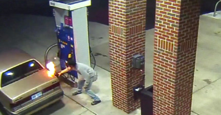 這名男子在加油站為了要殺死一隻蜘蛛,結果就試著用打火機把整個加油站給燒毀。