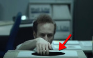他在辦公室加班突然碰到一個看似普通的「黑洞紙」,以為是好東西,但最後就大大的後悔了!