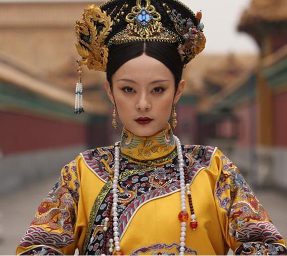 這名西安大嬸可能是甄嬛傳看太多,竟然假扮清朝公主成功詐騙上千萬!