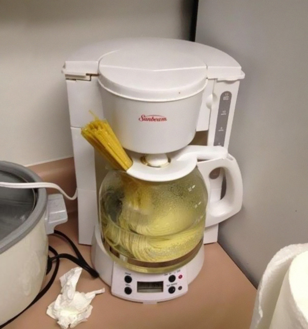 Quick And Easy Way To Make Noodles For All You College Students