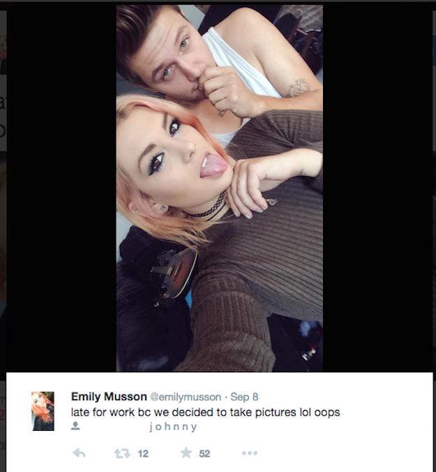 這個女生的爸媽受夠成天看到她與男友閃到不行的自拍照,於是就拍了他們的版本把他們給糗慘了!