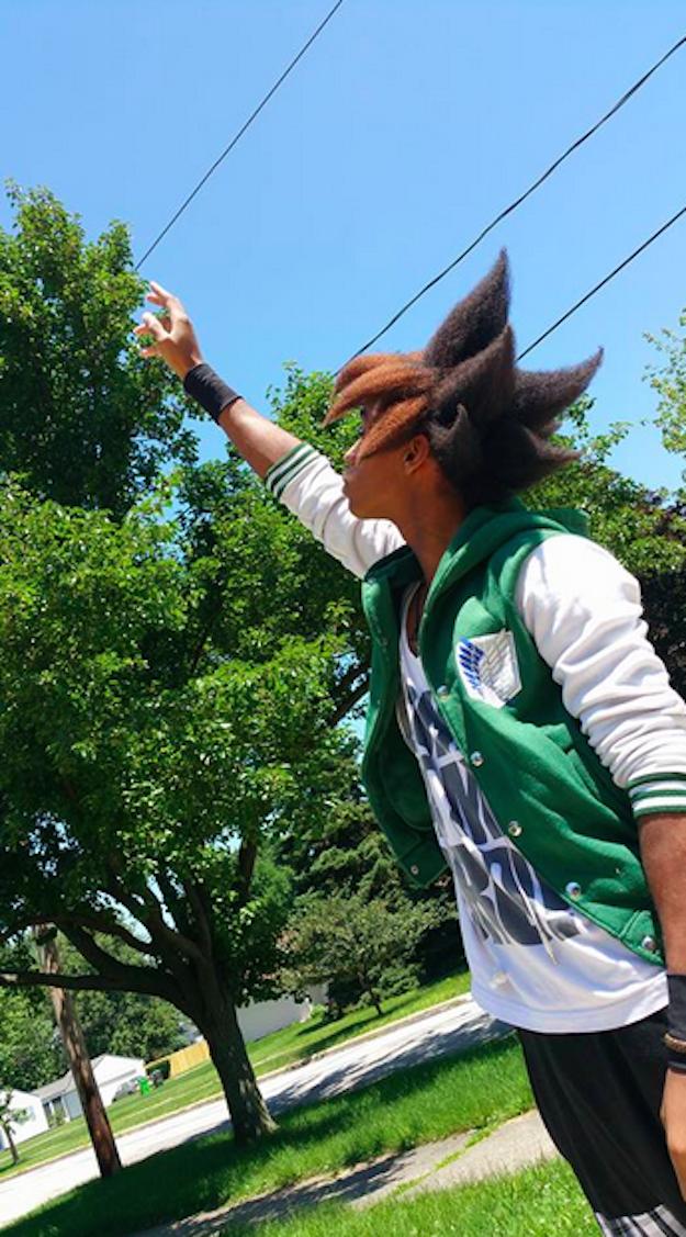 這位學生就是網友都在熱烈討論的「黑悟空」,他的《遊戲王》造型也真的太帥了!