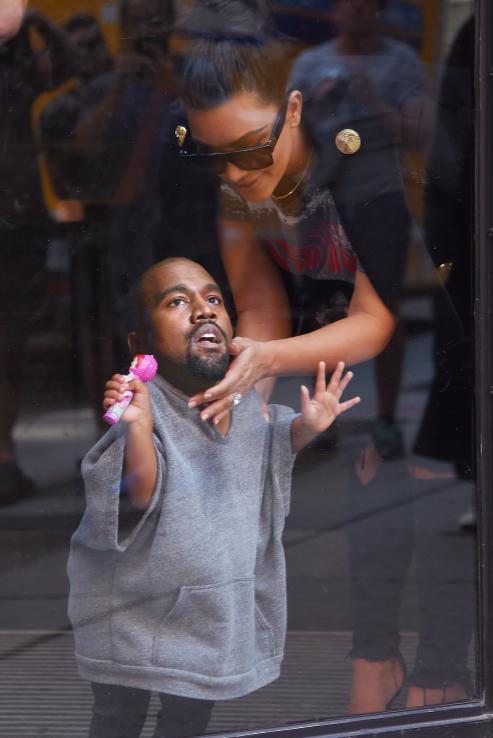 當「肯伊威斯特的頭」被合成在「他女兒身上」時,這就是你今天最需要看的爆笑圖片!