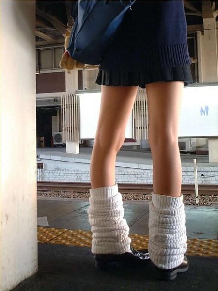 一篇就看完「日本女高中生制服」的所有演進史!原來有這麼多款式跟精美細節啊!