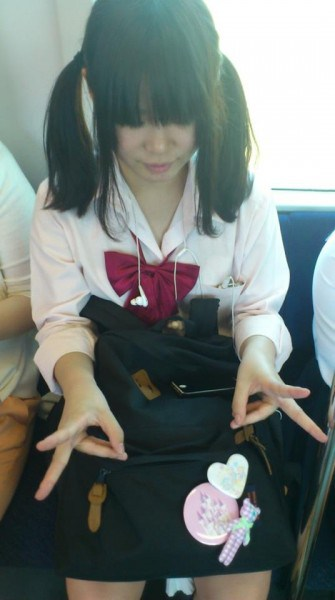 japanese-school-uniform-32-335x600