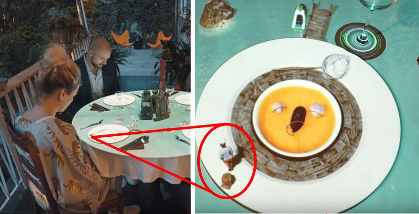 這些人坐下要吃飯,但沒想到湯做到一半主廚居然被大章魚襲擊!