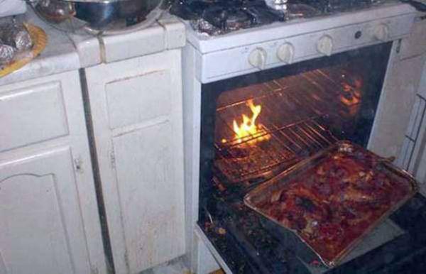 20個只是想要做個午餐但差點把世界毀滅的「超爛料理人」。