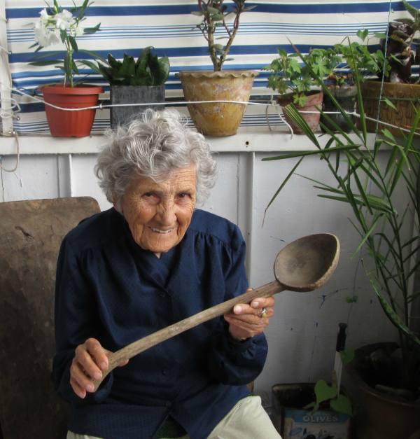 一般年輕網拍女模都遜掉了!這名高齡94歲的老奶奶才是最強網拍王道!