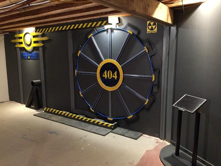 遊戲迷在家中搭造這個「經典電玩大門」,成果讓我已經穿越到異次元空間了!
