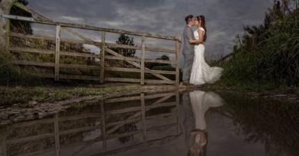 很多都誇獎這對情侶拍的結婚照超美,但當他們看到攝影師的姿勢就噴笑了。