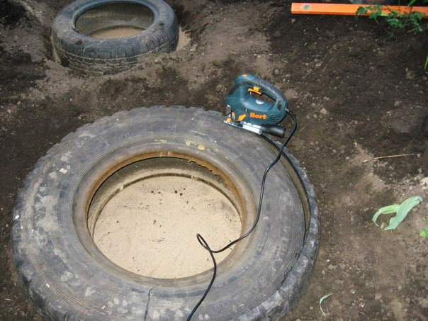 Recycled Tires Pond 03