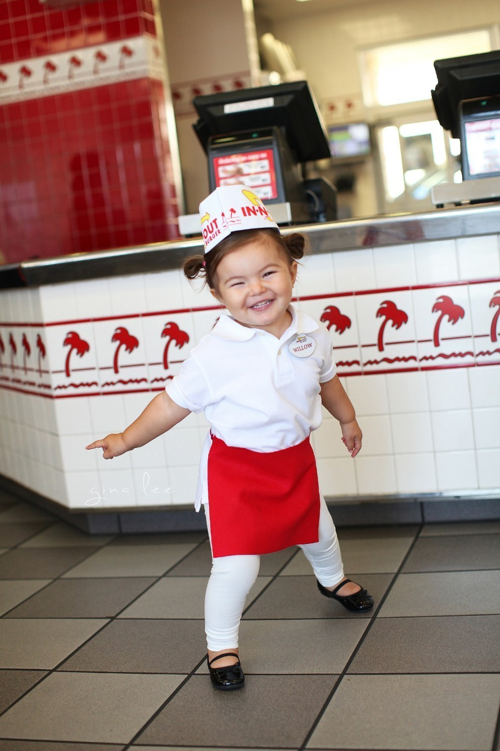 An In-N-Out employee…