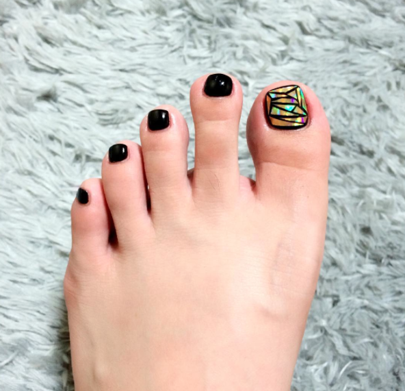 In which case: GET READY FOR GLASS TOENAILS!