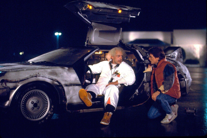 經典電影《回到未來》的布朗博士特地搭時光機來到現在,為的就是告訴大家一件重要的事!