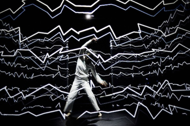 這兩位舞者花了3年創造出的「幻境」,到了30秒已經美到我都忘了呼吸了!