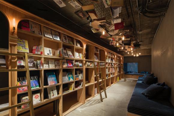 只要愛讀書的你走進這個「書蟲旅館」後,看到裡面後你就再也出不來了!