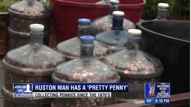 這名男子將「存了40年的51萬枚硬幣」扛到銀行統計,得到的超猛金額會讓你開始乖乖存錢!
