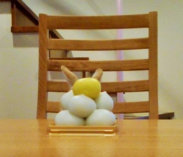 小心!在你不注意時,這隻「偷窺兔寶寶」可能正躲在暗處角落偷偷要萌殺你...