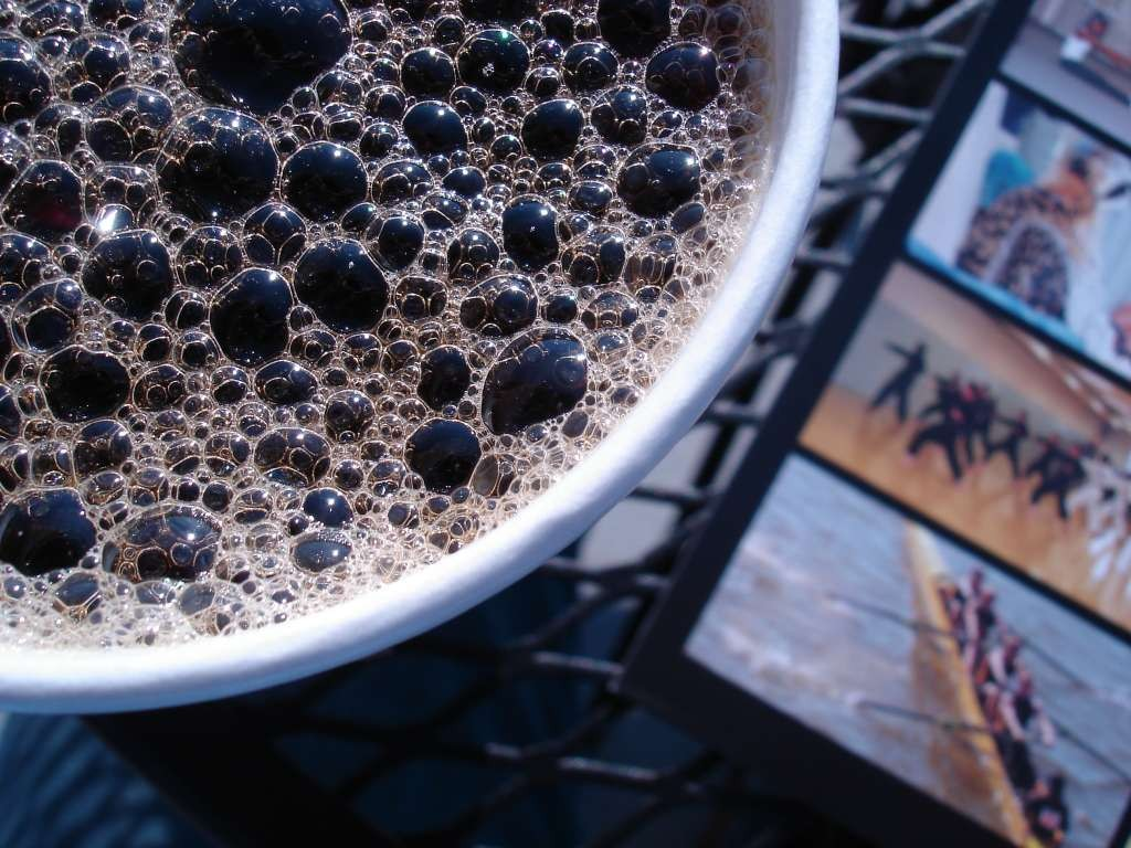 the-bubbles-in-this-cup-of-coffee-photo-u1