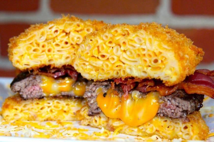this-delicious-mac-n-cheese-burger-photo-u1