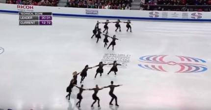 我一點都不愛看溜冰,但當音樂一下在2:33時我跟觀眾都已經要爆了!
