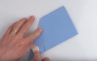小時候做的紙飛機丟出去後蹲下來就可以撿回了,這個人要教你的「世界飛最遠」祕密折法會讓你慢跑69.14公尺才能撿到!