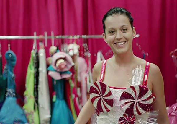 """Seems like every time a celebrity is caught in public without makeup, the paparazzi have a field day. Katy Perry, on the other hand, isn't afraid to brave the public O'natural, despite the scrutiny it sometimes invites. She explains, """"If you can be yourself, you can be anything."""""""