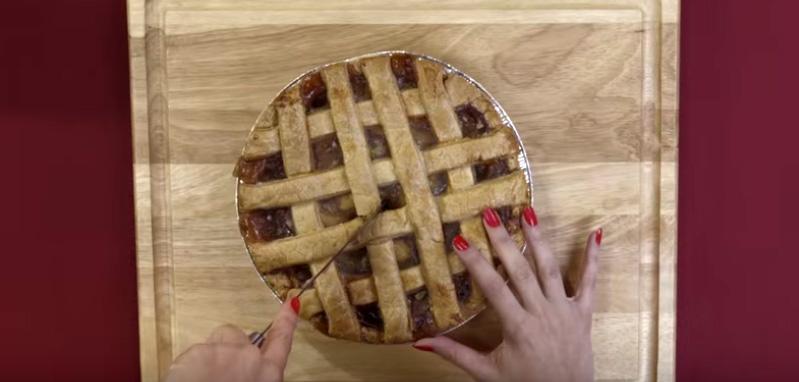 《花花公子》推出了這段超性感的甜點DIY教學影片,1:26讓人完全無法專心了...