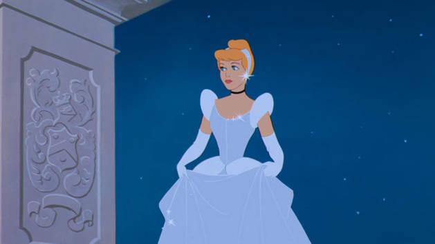 10個迪士尼童話背後的「真實駭人故事」童年立馬崩壞!白雪公主不是吃了毒蘋果,而是穿著燒熱的鐵鞋跳舞而死…
