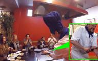 這名廚師在眾人面前直接把手臂給砍掉,客人全都嚇到快吐了!