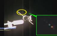 眼尖網友發現「多架太空不明飛行物體」不斷飛過太空船,難道這才是NASA不願透露的「鐵證」?