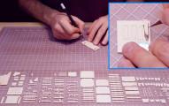 他仔細地將紙精準切割成許多不同的形狀,最後組裝完成時我已經跪到腿都麻了。