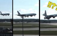 網友們看到這架客機「降落到一半突然解體」都嚇了一跳,結果看到最後都忍不住笑噴了!