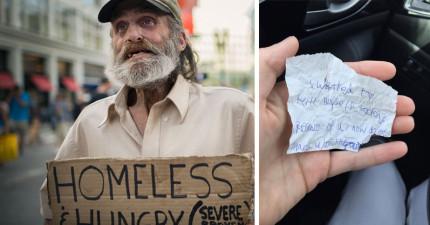 她幫街友買了貝果跟咖啡並陪他聊天,離開後她把街友寫給她的紙條打開「我今天想自殺」驚出冷汗!