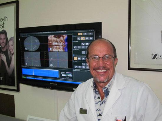 這個變態牙醫多年來都在把病人麻醉後「在他們嘴裡注射精液」。
