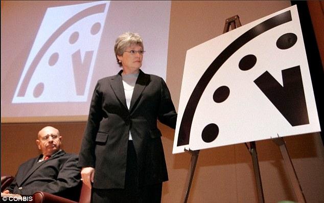 噩夢成真!末日鐘科學家表示:我們距離地球毀滅只剩下「最後3分鐘」。