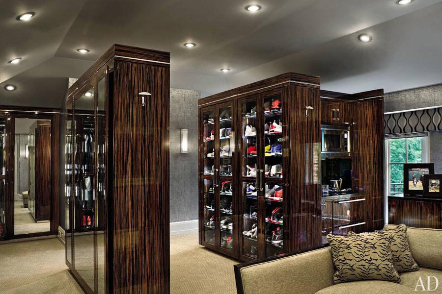 30個讓人看到流口水的「名人超強衣櫃」讓你發現他們成功的秘密就藏在衣櫥裡!