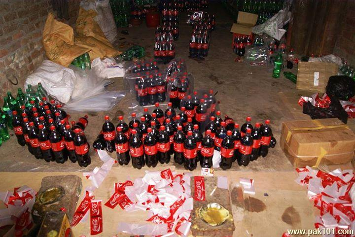 Fake_Coca_Cola_Coke_factory_Gujranwala_20_oyfuo_Pak101(dot)com