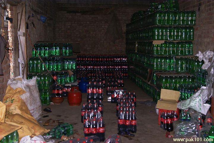 Fake_Coca_Cola_Coke_factory_Gujranwala_8_fqocf_Pak101(dot)com