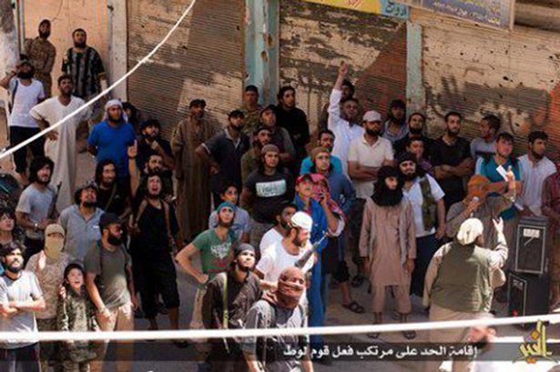 ISIS-execute-a-gay-man-in-DirZour-by-throwing-him-from-High-building